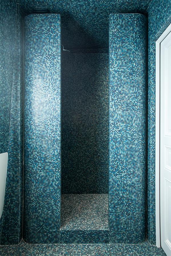 Salle de bain - douche mosaïque Bisazza